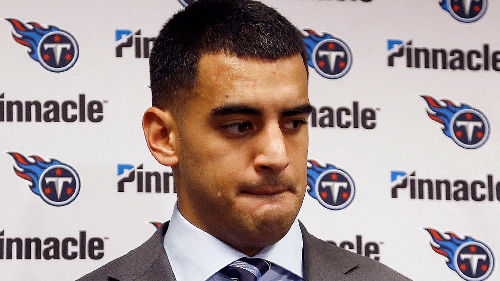 Titans QB apologizes for being 'rude' to press after getting 'earful' from mother