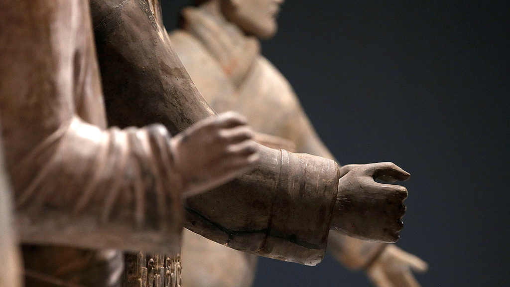 China wants 'severe punishment' for US man who vandalized terra-cotta warrior