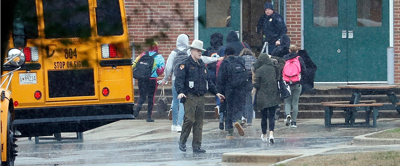 Gunman dead, 2 injured after shooting at Maryland high school; on-site officer shot at attacker