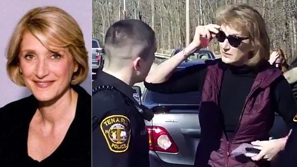 Ex-Clinton aide unleashes profane outburst at police officer: video
