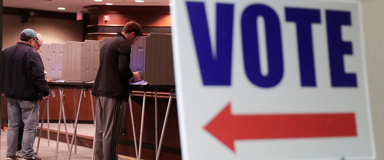 GOP surges in key battleground states, blunting Dem hopes for 'blue wave'