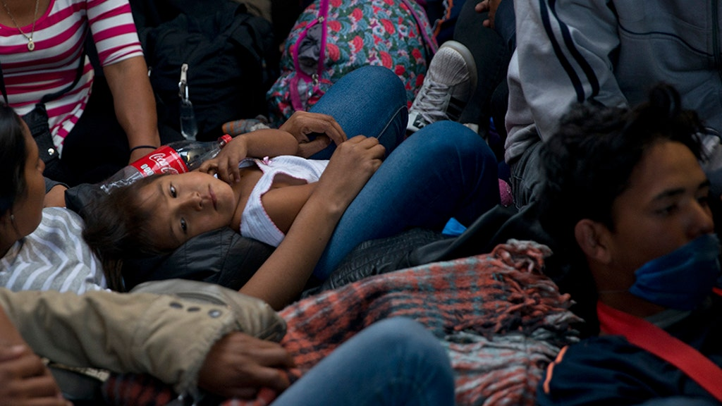 Caravan migrants packing up and going home even as new ones arrive
