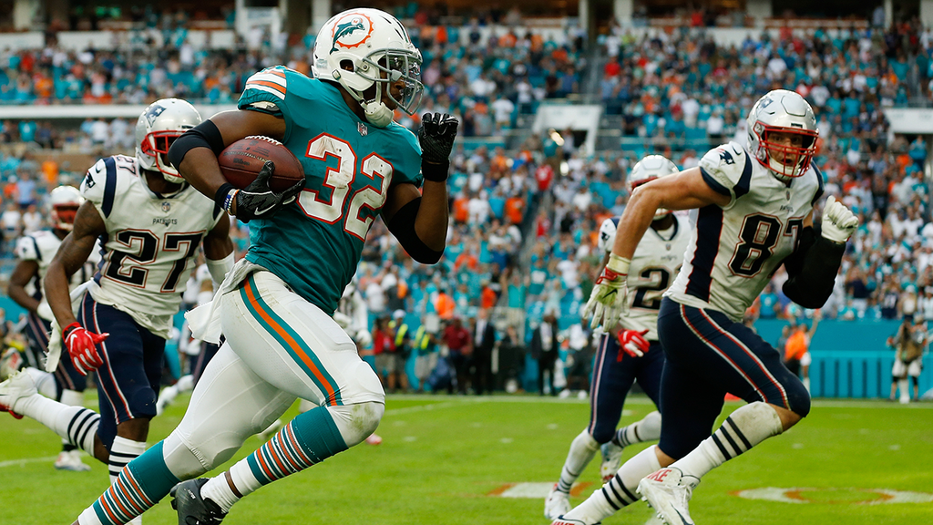 MUST SEE: Dolphins stun Patriots with incredible last-second touchdown