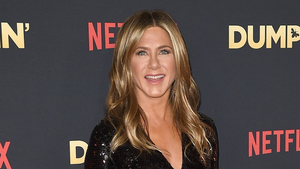 Aniston tells Ellen all about her very quirky 'naked' habit