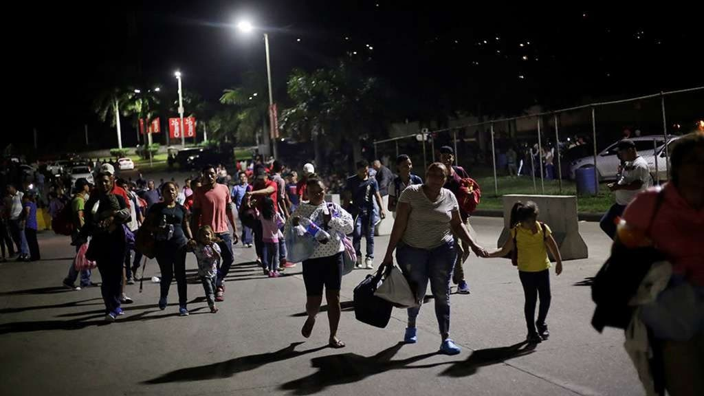 As US-bound caravan grows, Mexicans lash out against wave of migrants