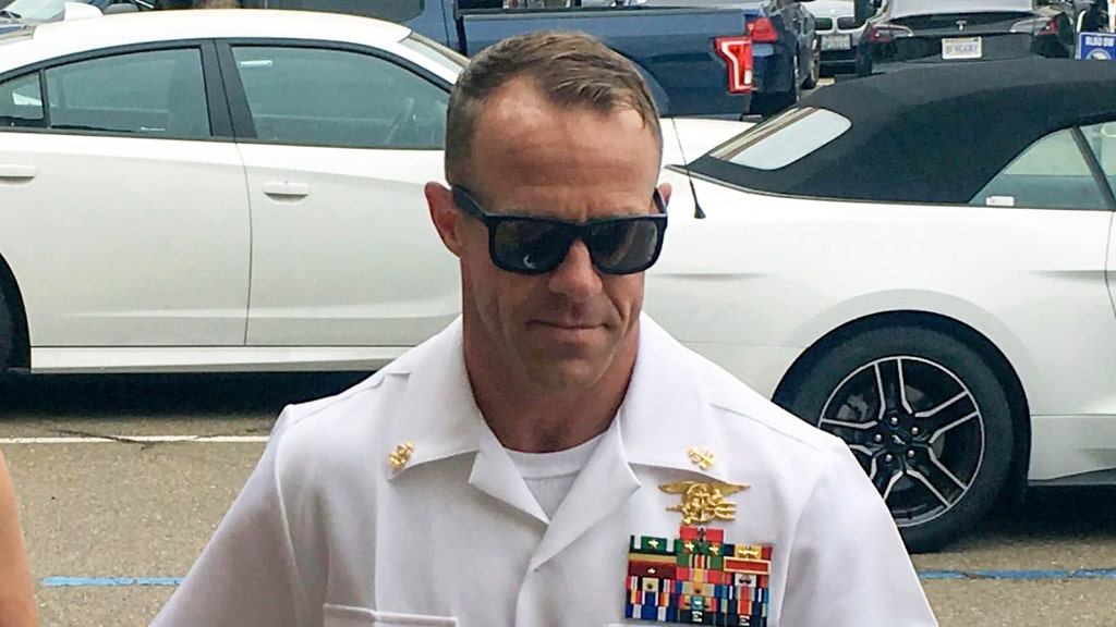 Prosecution witness admits no evidence of stab wound in Navy SEAL trial