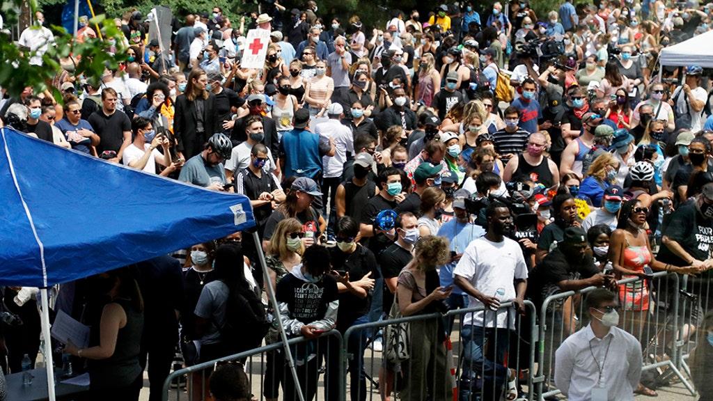 crowd outside memorial