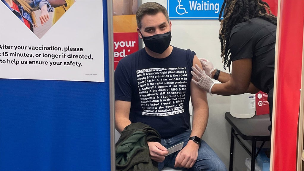 CNN's Jim Acosta roasted for 'self-flattering' shirt he wore to get vaccinated