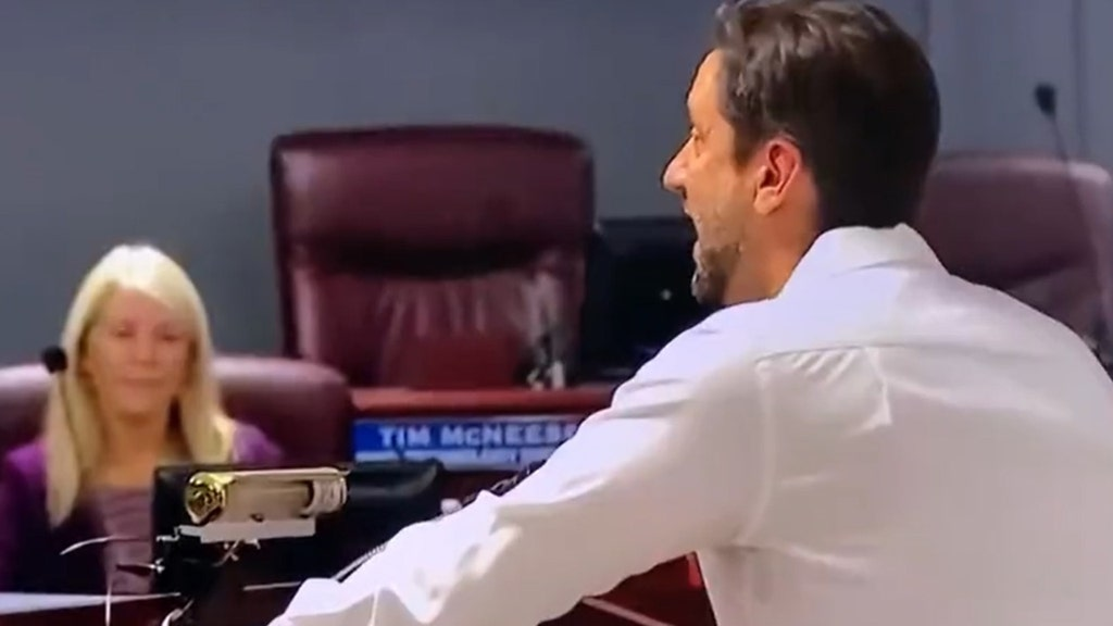 Clay Travis goes off at Tennessee school board meeting on COVID-19