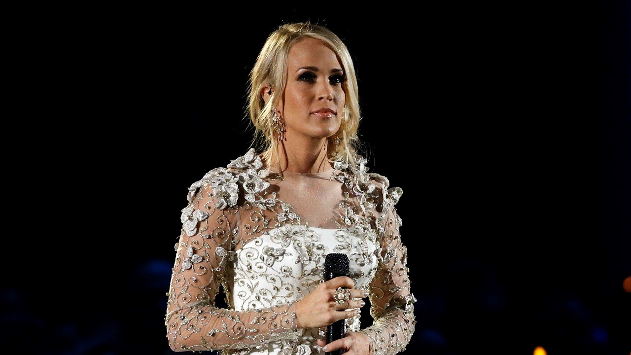 Carrie Underwood News and Photos  Perez Hilton