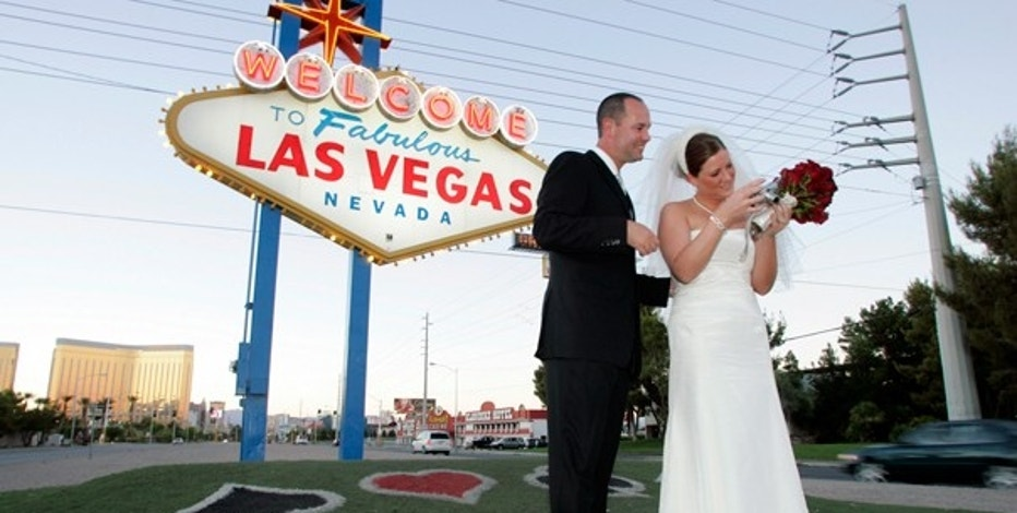 LIFE VEGAS WEDDING