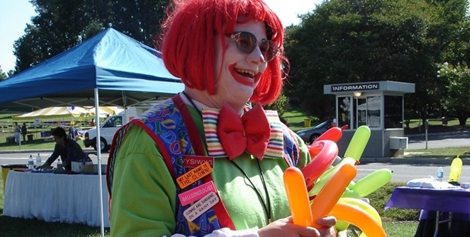 Finder dressed as her alter-ego, Dria the Clown.