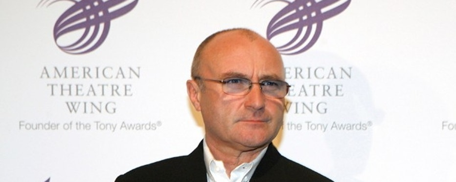 Singer Phil Collins arrives for the American Theatre Wing's Spring Gala in New York, February 10, 2006. The American Theatre Wing honored Nathan Lane and Matthew Broderick for their accomplishments to the theatre.  REUTERS/Brendan McDermid