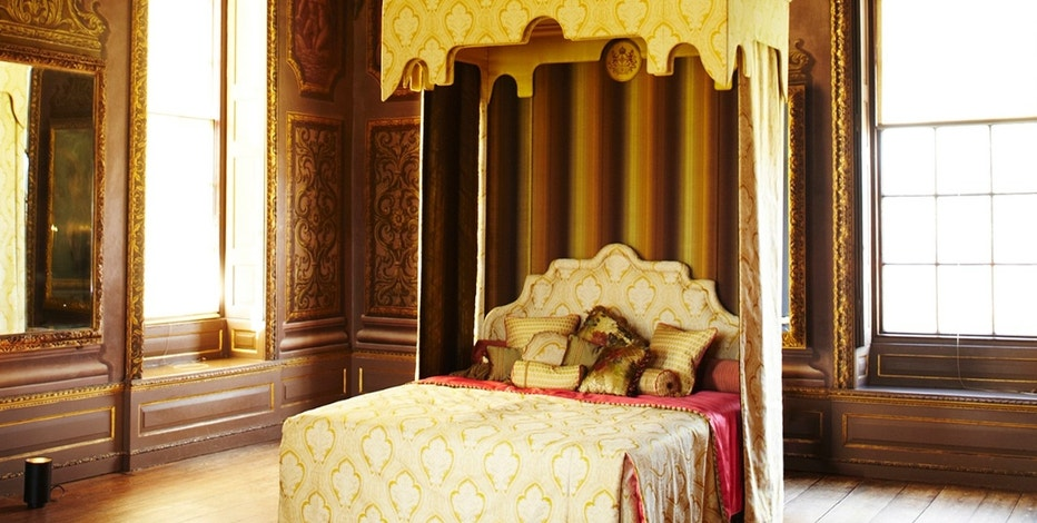 Savoir's 'Royal Bed' retails for $175,000. (Photo courtesy of Savoir)