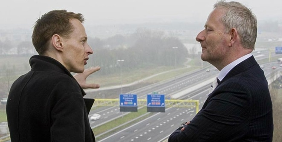 'Smart Highway' designer Daan Roosegaarde discusses the idea with an executive from Heijman.