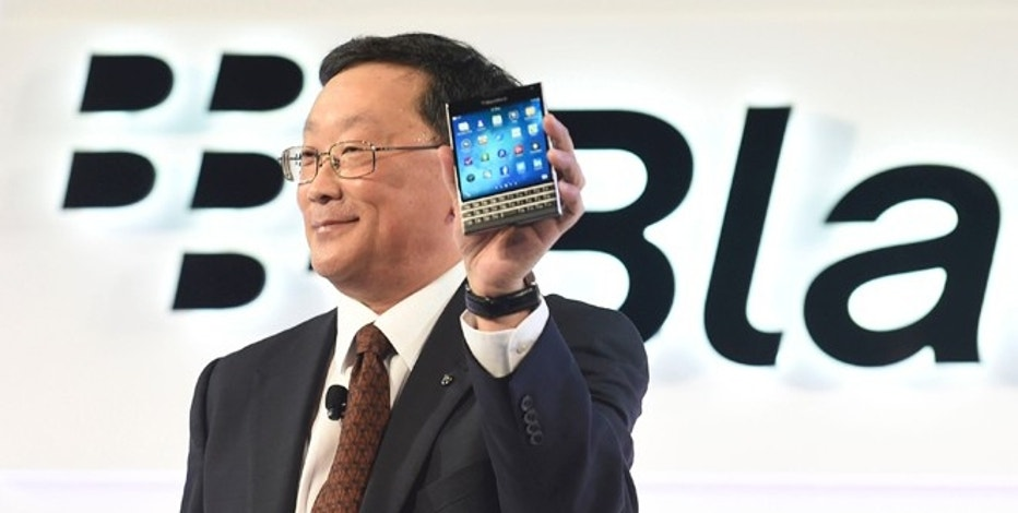 BlackBerry Chief Executive John Chen introduces Passport smartphone during an official launching event in Toronto, September 24, 2014. REUTERS/Aaron Harris