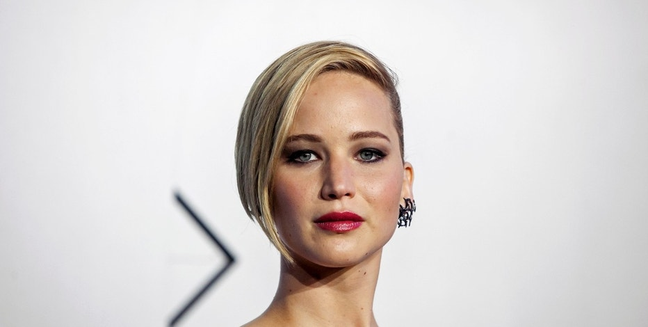 "Actress Jennifer Lawrence attends the ""X-Men: Days of Future Past"" world movie premiere in New York May 10, 2014.  REUTERS/Eric Thayer (UNITED STATES - Tags: ENTERTAINMENT HEADSHOT PROFILE) - RTR3OM05"