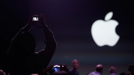 Tech Rewind: Apple Bumps Off AT&T, Etsy Files IPO