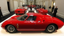 Ferrari's U.S. IPO to Raise as Much as $900 Million