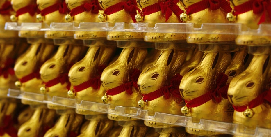 Chocolate Easter bunnies are seen at a cash and carry market of Metro AG in Sankt Augustin near Bonn March 18, 2013. Germany's biggest retailer Metro AG will present their results for the year 2012 in Duesseldorf on March 20, 2013. REUTERS/Wolfgang Rattay (GERMANY - Tags: BUSINESS FOOD RELIGION) - RTR3F5IS