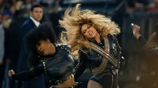 Sheriff Clarke: Beyonce Can't Live With Police, Can't Live Without Them