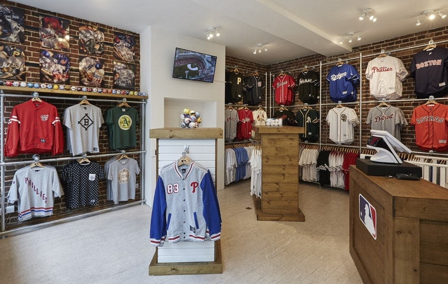 All-Star FanFest : MLB Clubhouse Store