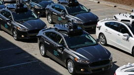 Automakers React to Federal Guidelines for Autonomous Cars