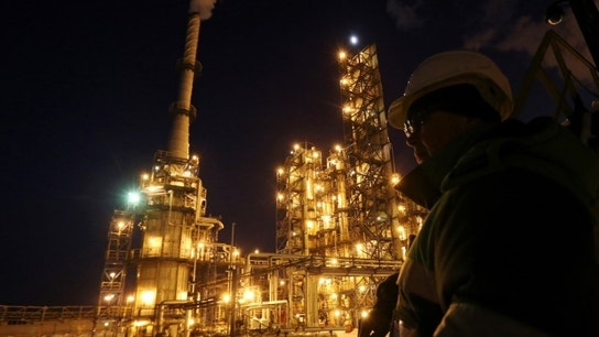Oil prices rebound after Algeria says all options open at OPEC meeting