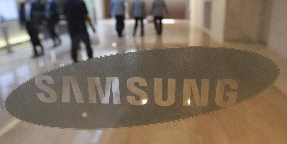 The corporate logo of Samsung Electronics Co. is seen at its shop in Seoul, South Korea, Wednesday, Oct. 12, 2016. The fiasco of Samsung's fire-prone Galaxy Note 7 smartphones - and Samsung's stumbling response to the problem - has left consumers from Shanghai to New York reconsidering how they feel about the South Korean tech giant and its products. (AP Photo/Ahn Young-joon)