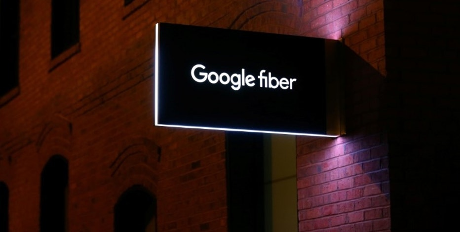 A building housing Google fiber, a division of Alphabet Inc., is seen in downtown Charlotte, North Carolina, U.S., September 23, 2016.  REUTERS/Mike Blake