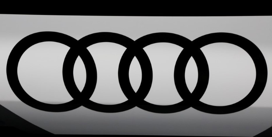 An Audi logo is seen at the Mondial de l'Automobile, Paris auto show, during media day in Paris, France, September 30, 2016. REUTERS/Jacky Naegelen - RTSQ8GI