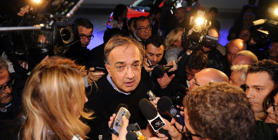 Fiat Chrysler Automobiles (FCA) CEO Sergio Marchionne speaks to reporters during the presentation of the new FIAT 500x model in Balocco, northern Italy November 11, 2014.