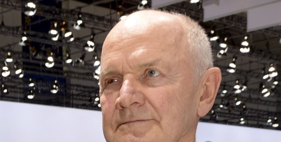 Ferdinand Piech, former chairman of the supervisory board of  German carmaker Volkswagen, arrives at the annual shareholders meeting in Hanover in this April 25, 2013 file photo. REUTERS/Fabian Bimmer/Files