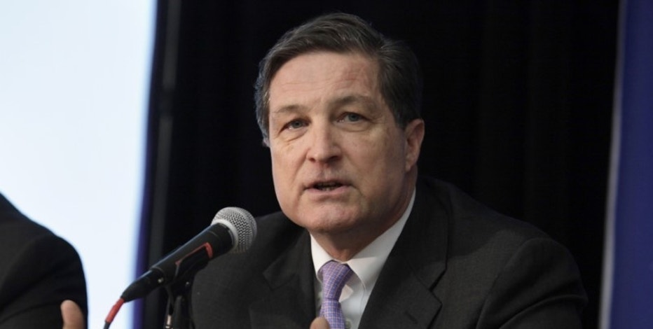 Richmond Fed head Lacker resigns, admits improper disclosure