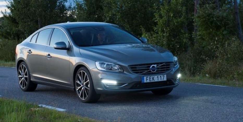 2017 volvo s60 awd review comfort safety performance fox business. Black Bedroom Furniture Sets. Home Design Ideas