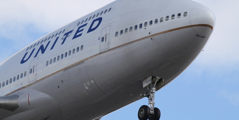 United passenger dragged off flight set to take legal action