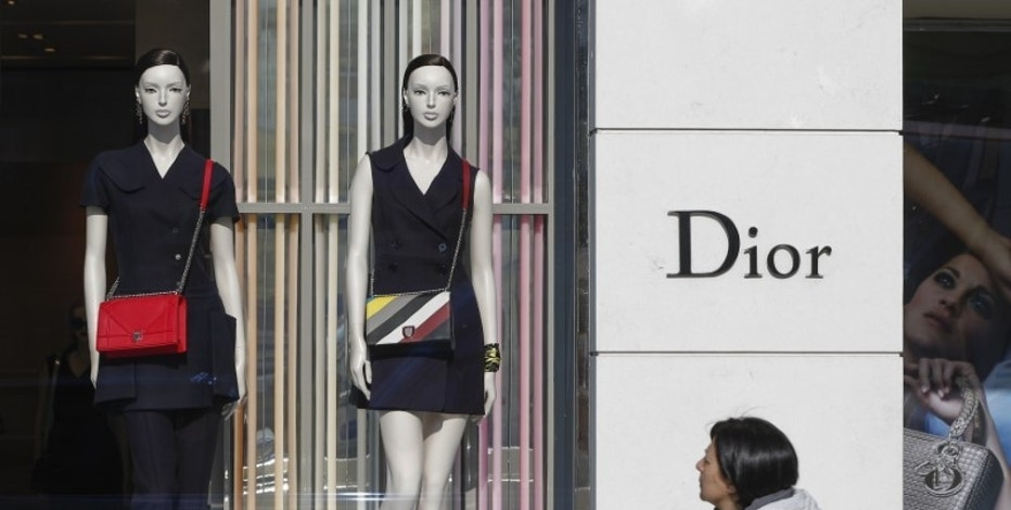 LVMH, Arnault to simplify Christian Dior business structure