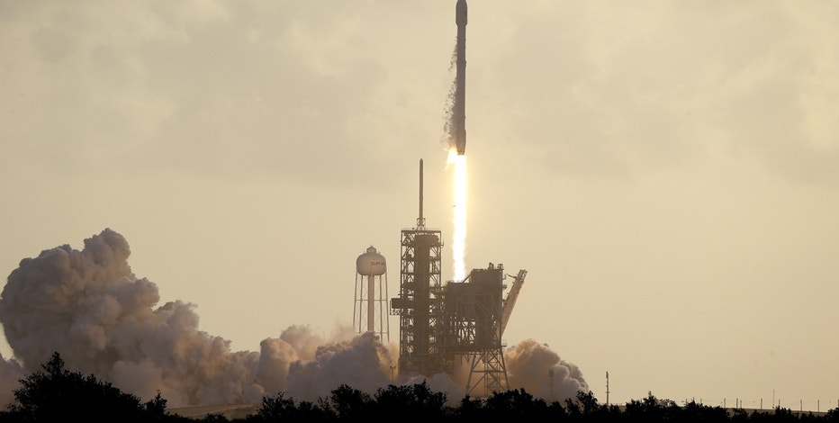 Spacex preps for third launch in 9 days