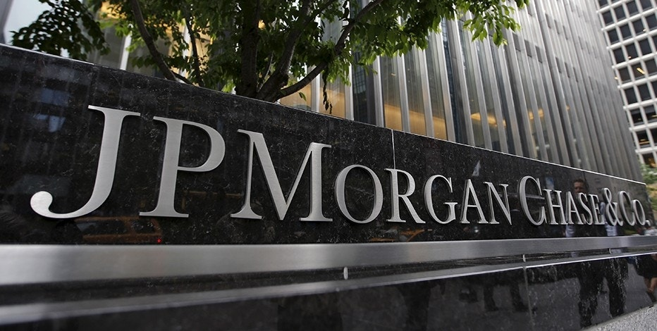 Revenue Approximations Analysis: JPMorgan Chase & Co. (JPM), Sterling Bancorp (STL)