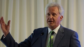 GE's Immelt used two planes, one empty, for business travel