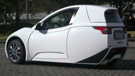 SOLO all-electric one-seater car designed for commuters