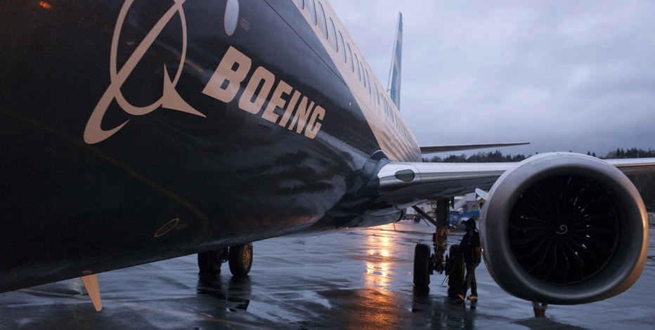 Boeing logo on plane FBN