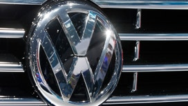 VW Postpones 2015 Results as Scandal Effects Unclear