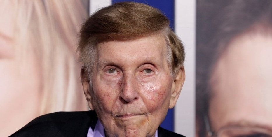 "Sumner Redstone, executive chairman of CBS Corp. and Viacom, arrives at the premiere of ""The Guilt Trip"" starring Barbra Streisand and Seth Rogen in Los Angeles December 11, 2012.  REUTERS/Fred Prouser"
