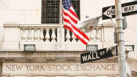 Wall St Drops After BOJ Decision&#x3b; Apple Weighs