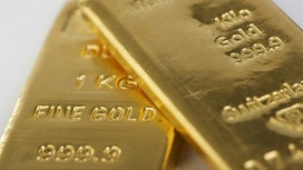 Political & Economic Craziness Gives Gold Best Year Since 2010