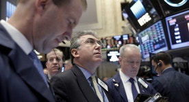 Wall St. Lower on Lackluster Earnings, Data