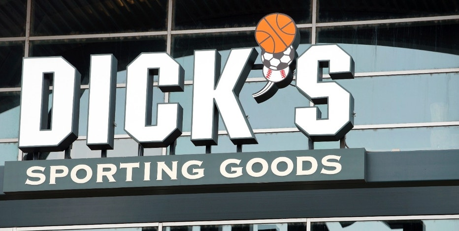 The Dick's Sporting Goods store in Broomfield, Colorado is seen November 18, 2014. Dick's Sporting Goods Inc are set to release their Q3 2014 earnings November 18, 2014.