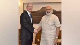 Apple CEO Makes Nice With India's Prime Minister