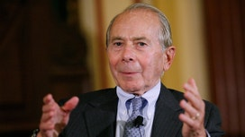 Former AIG Chief Hank Greenberg Must Face Fraud Trial
